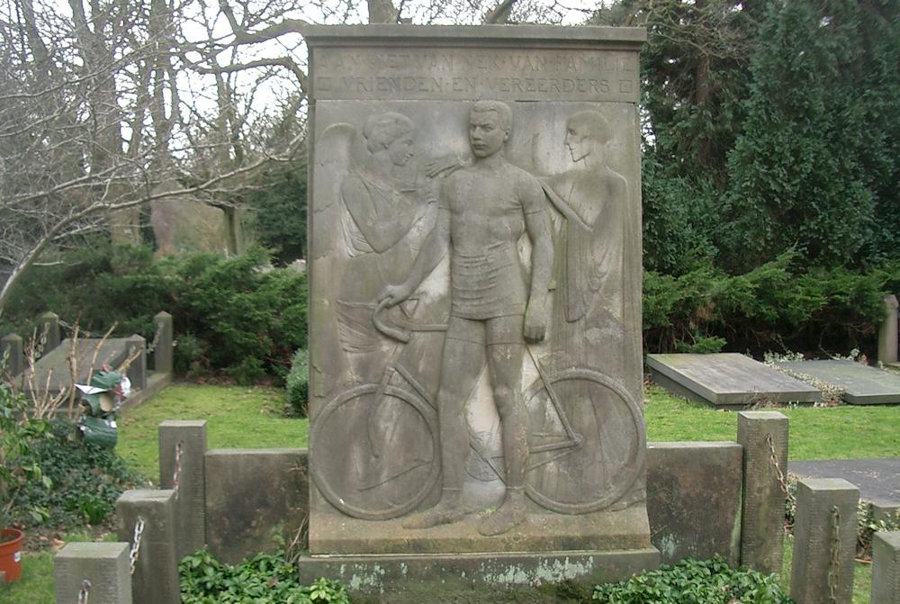 ASC Olympia - Piet van Nek: succesvol & tragisch Olympiaan