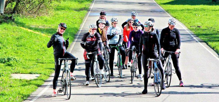 Vrouwen zonder ervaring op de racefiets bij Fietsbelles